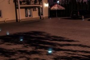 Świecąca kostka LED